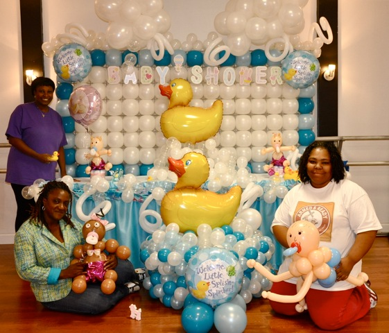 Balloon decoration courses party favors ideas for Baby shower balloons decoration